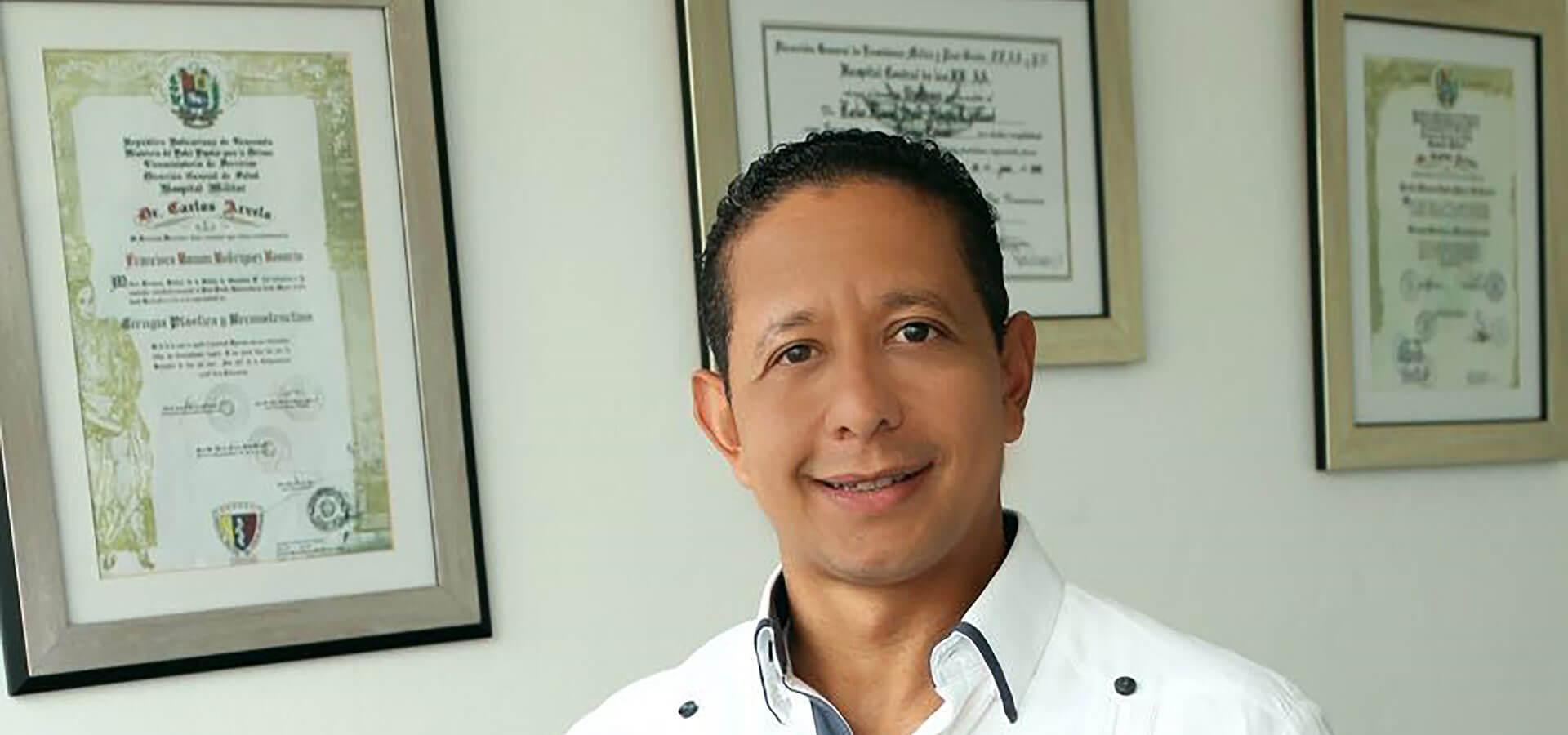 Dr. Carlos Saint Hilaire
